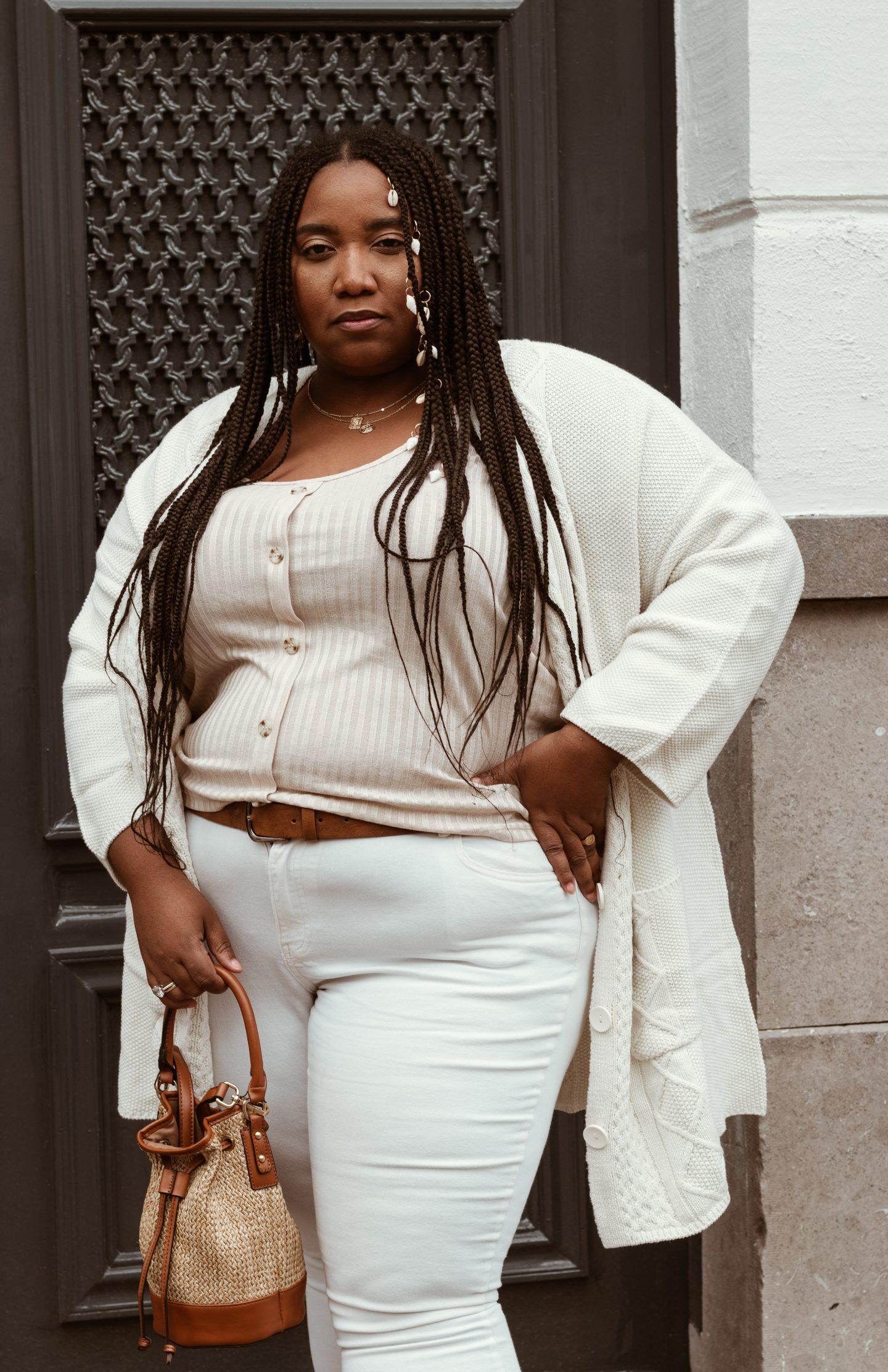 Plussize woman can wear white